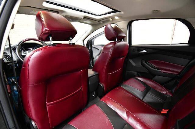 2012 Ford Focus Titanium 4dr Hatchback - Bensenville IL