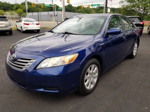 2008 Toyota Camry Hybrid for sale at Cedar Auto Group LLC in Akron OH