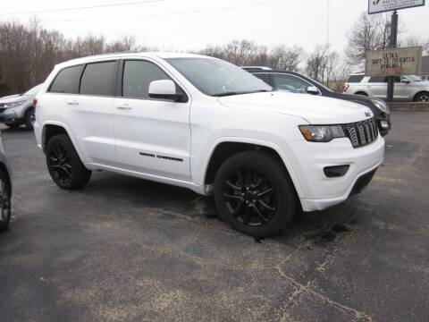 2018 Jeep Grand Cherokee for sale at JANSEN'S AUTO SALES MIDWEST TOPPERS & ACCESSORIES in Effingham IL