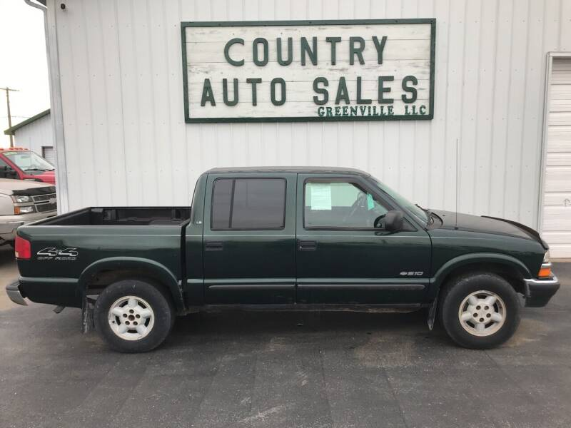 2002 Chevrolet S-10 for sale at COUNTRY AUTO SALES LLC in Greenville OH