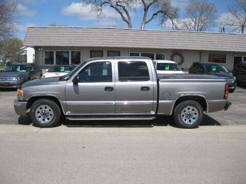 2006 GMC Sierra 1500 for sale at Greens Motor Company in Forreston IL
