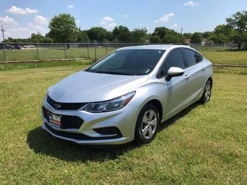 2018 Chevrolet Cruze for sale at LA PULGA DE AUTOS in Dallas TX