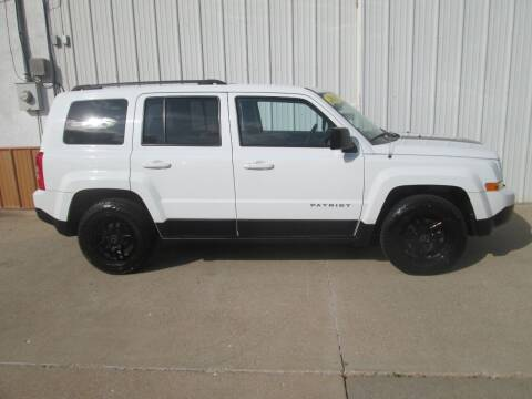 2017 Jeep Patriot for sale at Parkway Motors in Osage Beach MO