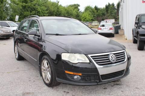 2008 Volkswagen Passat for sale at UpCountry Motors in Taylors SC