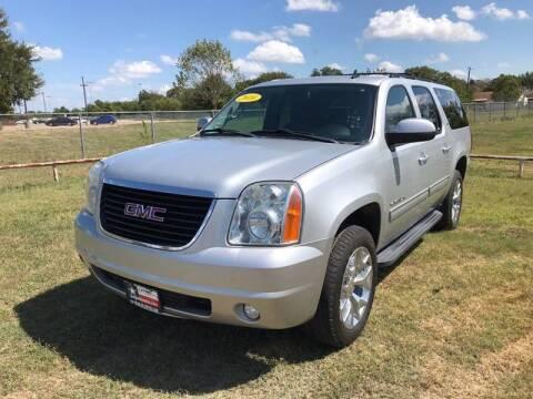 2010 GMC Yukon XL for sale at LA PULGA DE AUTOS in Dallas TX