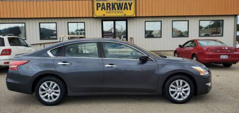 2013 Nissan Altima for sale at Parkway Motors in Springfield IL