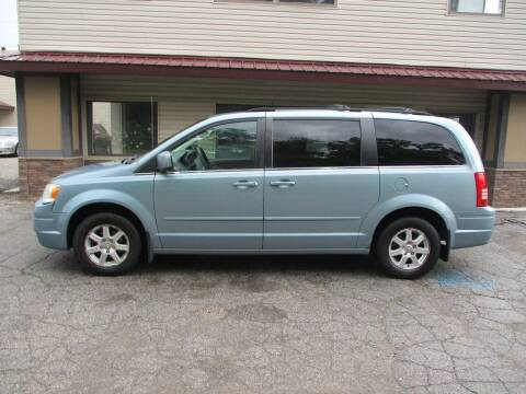 2008 Chrysler Town and Country for sale at Settle Auto Sales STATE RD. in Fort Wayne IN