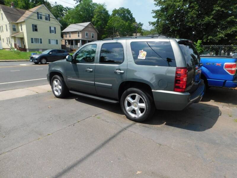 2011 Chevrolet Tahoe for sale at CAR CORNER RETAIL SALES in Manchester CT