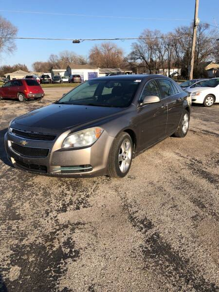 2010 Chevrolet Malibu for sale at Rocket Cars Auto Sales LLC in Des Moines IA