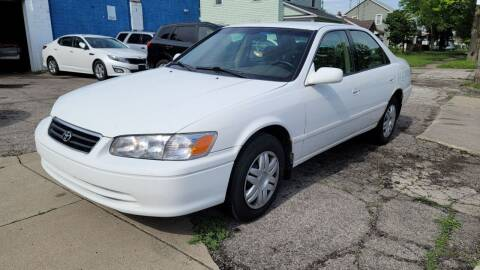 2000 Toyota Camry for sale at M & C Auto Sales in Toledo OH