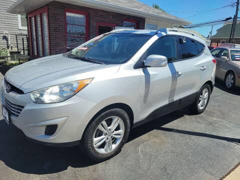2012 Hyundai Tucson for sale at TEMPLETON MOTORS in Chicago IL