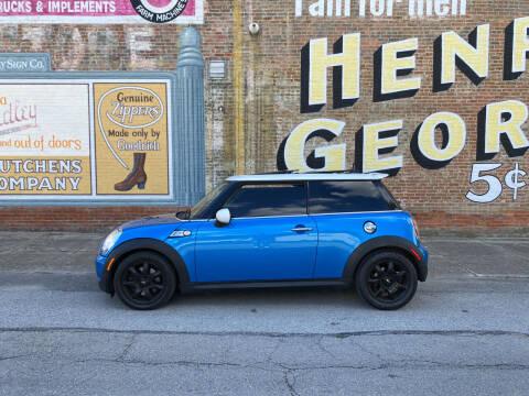 2009 MINI Cooper for sale at Main St Motors Inc. in Sheridan IN