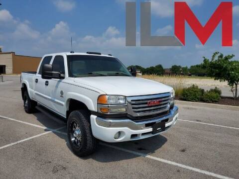 2005 GMC Sierra 2500HD for sale at INDY LUXURY MOTORSPORTS in Fishers IN