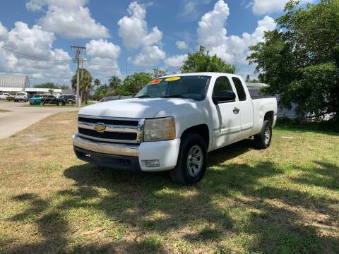 2007 Chevrolet Silverado 1500 for sale at Mid City Motors Auto Sales - Mid City North in N Fort Myers FL