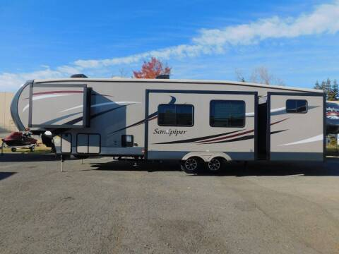 2016 Forest River SANDPIPER 365SAQB for sale at Gold Country RV in Auburn CA
