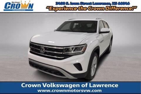 2021 Volkswagen Atlas Cross Sport for sale at Crown Automotive of Lawrence Kansas in Lawrence KS