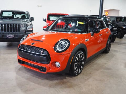 2019 MINI Hardtop 4 Door for sale at Montclair Motor Car in Montclair NJ