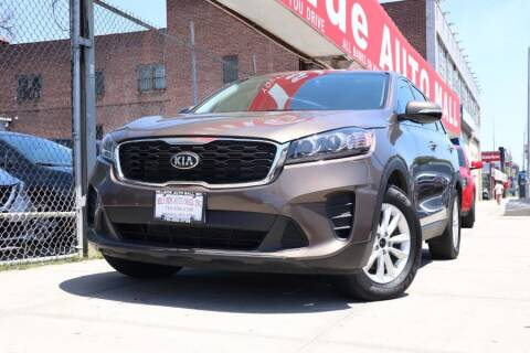 2019 Kia Sorento for sale at HILLSIDE AUTO MALL INC in Jamaica NY