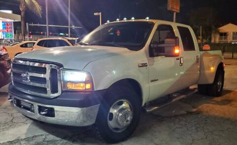 2006 Ford F-350 Super Duty for sale at Barbie's Autos Corp in Miami FL