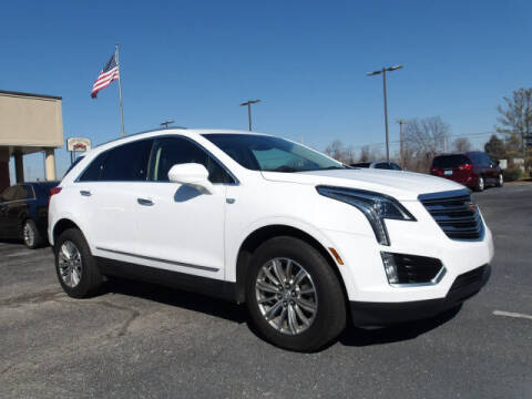 2018 Cadillac XT5 for sale at TAPP MOTORS INC in Owensboro KY