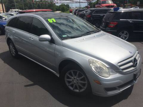 2007 Mercedes-Benz R-Class for sale at ROUTE 6 AUTOMAX in Markham IL