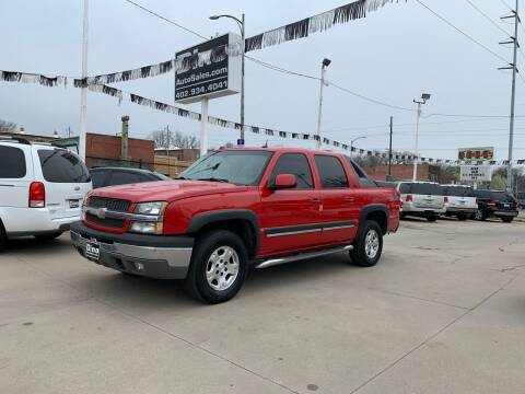 2005 Chevrolet Avalanche for sale at Dino Auto Sales in Omaha NE