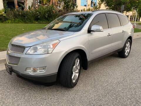 2012 Chevrolet Traverse for sale at Donada  Group Inc in Arleta CA