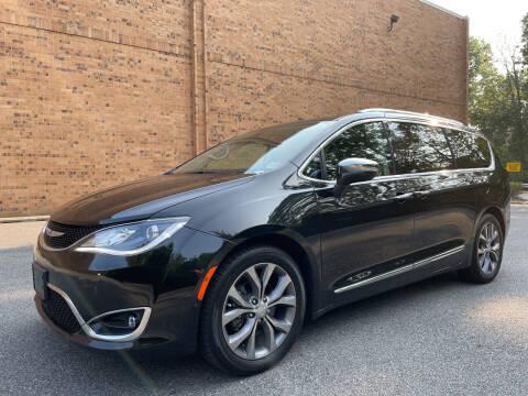 2019 Chrysler Pacifica for sale at Vantage Auto Wholesale in Moonachie NJ