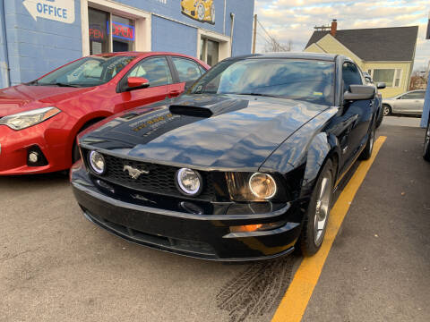 2007 Ford Mustang for sale at Ideal Cars in Hamilton OH
