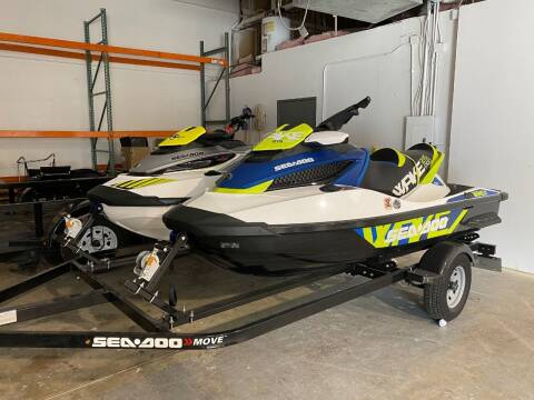 2016 Sea-Doo Wake 215 Pro & Sea-Doo RXT 300