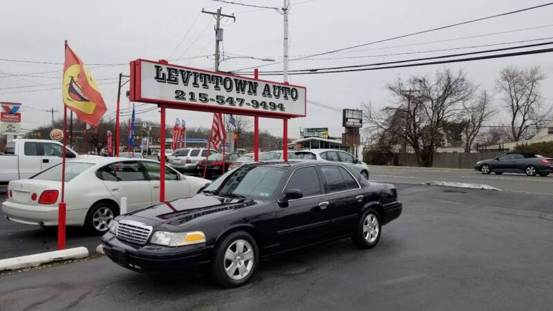 2011 Ford Crown Victoria LX 4dr Sedan - Levittown PA