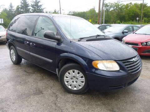 2006 Chrysler Town and Country for sale at I57 Group Auto Sales in Country Club Hills IL