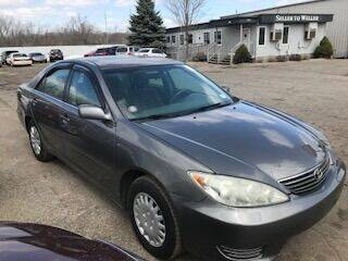 2006 Toyota Camry for sale at WELLER BUDGET LOT in Grand Rapids MI