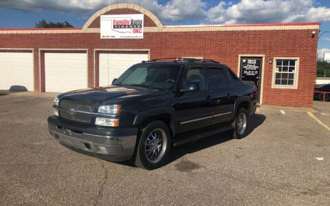 2005 Chevrolet Avalanche for sale at Family Auto Finance OKC LLC in Oklahoma City OK