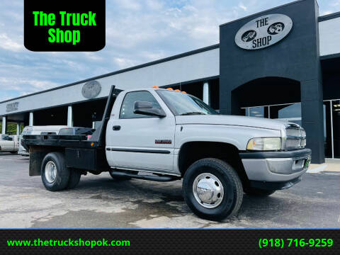 2002 Dodge Ram Chassis 3500 for sale at The Truck Shop in Okemah OK