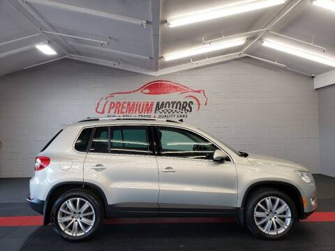 2011 Volkswagen Tiguan for sale at Premium Motors in Villa Park IL