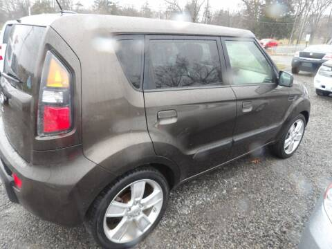 2010 Kia Soul for sale at English Autos in Grove City PA