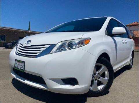 2016 Toyota Sienna for sale at MADERA CAR CONNECTION in Madera CA