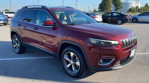 2019 Jeep Cherokee for sale at Napleton Autowerks in Springfield MO