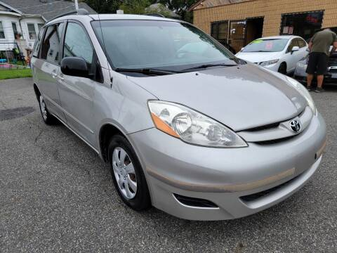 2006 Toyota Sienna for sale at Citi Motors in Highland Park NJ