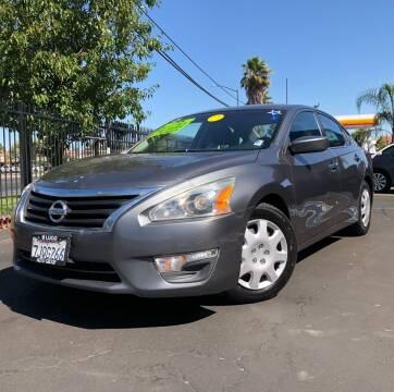 2015 Nissan Altima for sale at LUGO AUTO GROUP in Sacramento CA