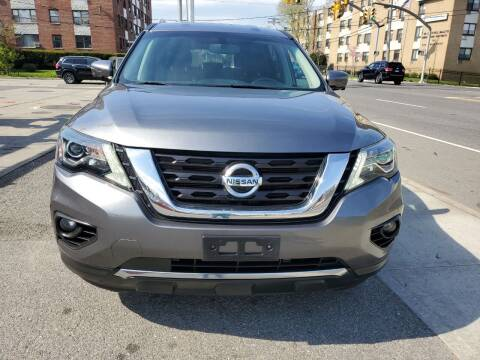 2017 Nissan Pathfinder for sale at OFIER AUTO SALES in Freeport NY