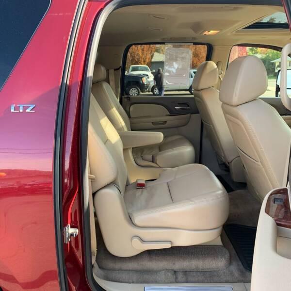 2009 Chevrolet Suburban 4x4 LTZ 1500 4dr SUV - Roseburg OR