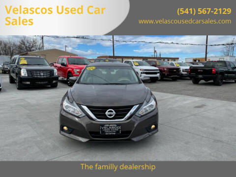 2017 Nissan Altima for sale at Velascos Used Car Sales in Hermiston OR
