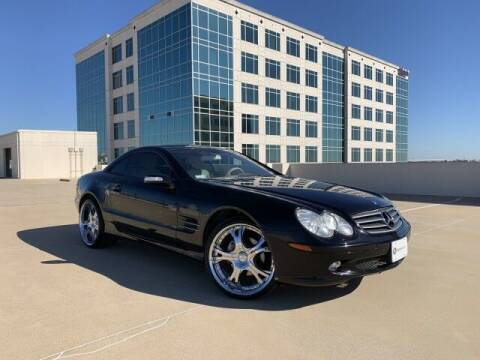 2004 Mercedes-Benz SL-Class for sale at SIGNATURE Sales & Consignment in Austin TX