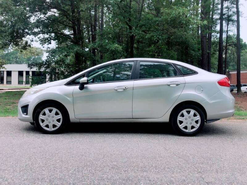2012 Ford Fiesta for sale at H&C Auto in Oilville VA