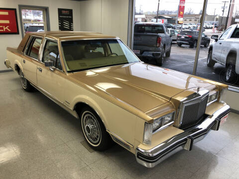 1983 Lincoln Town Car for sale at ROTMAN MOTOR CO in Maquoketa IA