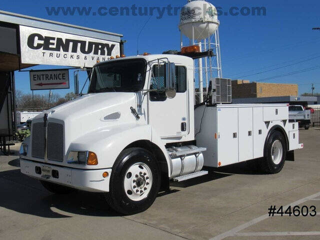 2008 Kenworth T300 for sale at CENTURY TRUCKS & VANS in Grand Prairie TX