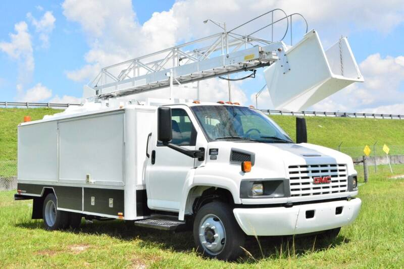 2006 GMC C5500 for sale at American Trucks and Equipment in Hollywood FL