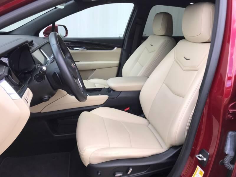 2017 Cadillac XT5 4dr SUV - Amboy IL